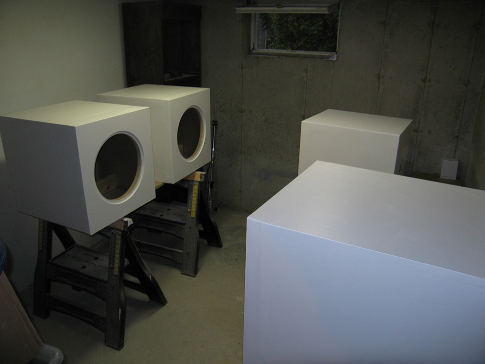 My RSS390HF Build - 4 Boxes in Satin Black-01b_paint_room_primed.jpg