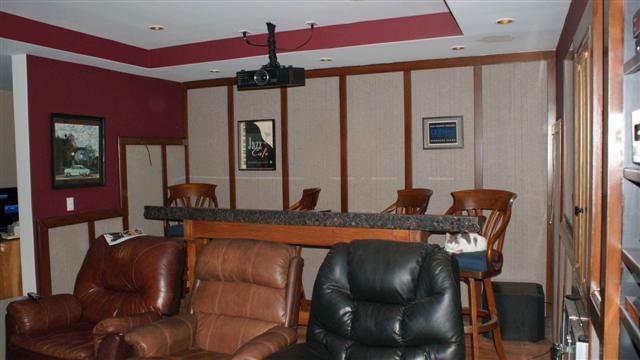 Gregavi's Home Theater...finally-06678-small-.jpg