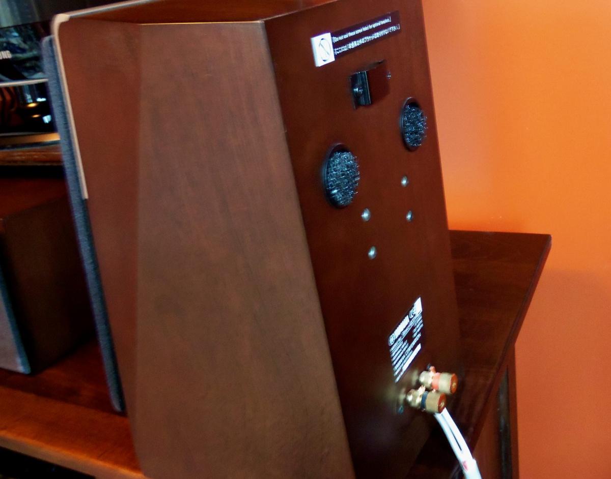 Yamaha soavo speakers 900c center & 2 - 900m bookshelf  0/set-100_1369.jpg