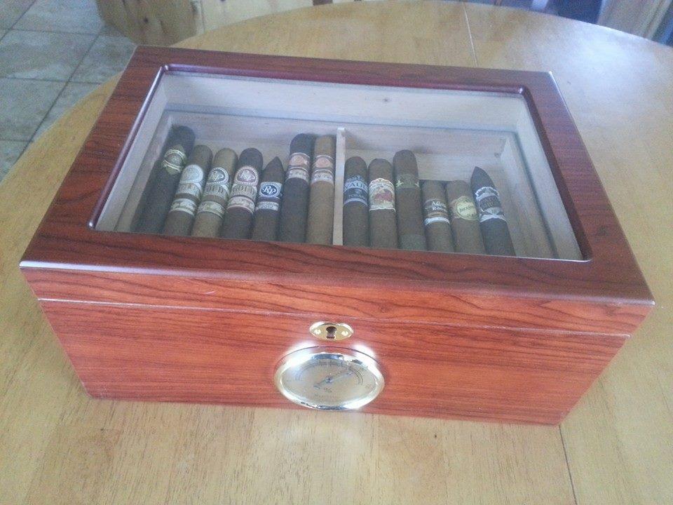 Cigar Aficionado-10370893_10201753546592477_6845402559868536248_n.jpg