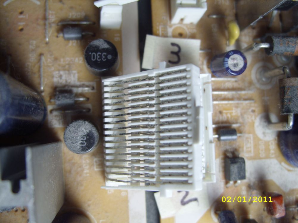 Steve's PT-53WX53G Project-13-connector-2-pic-2.jpg