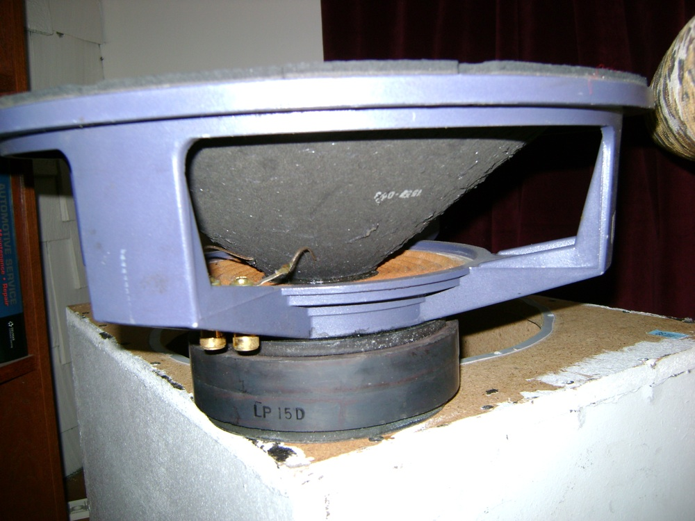 Do you remember this subwoofer from the 90's-15sub1.jpg