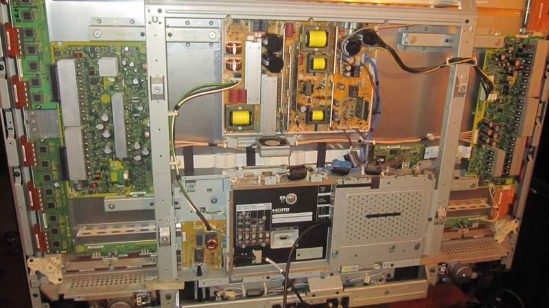 Black horizontal lines on Hitachi 50PD9800-1tv.jpg