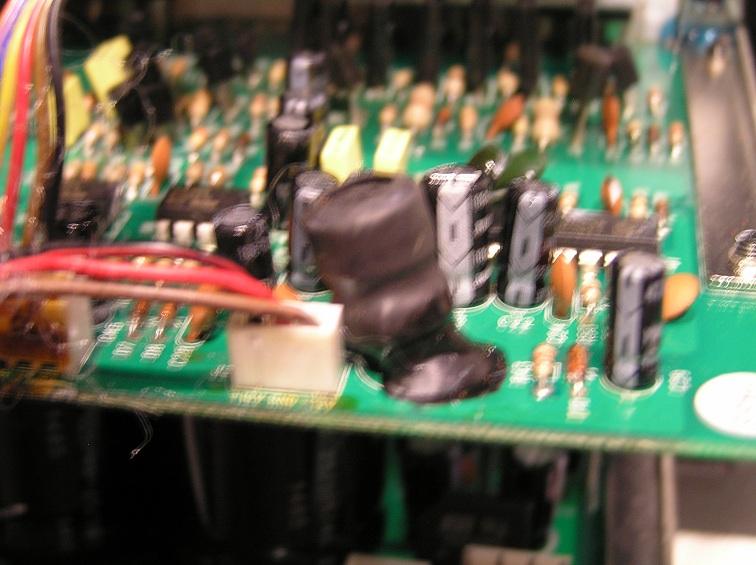 Can AV123 UFW10 amp be salvaged?-2.jpg