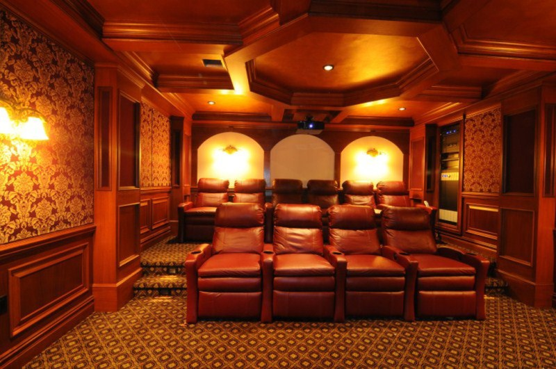 We just finished this theater-200k-rear-800x600-1024x768-800x600-.jpg