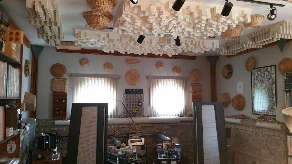 My uncles dedicated stereo room-20150615_175118.jpg