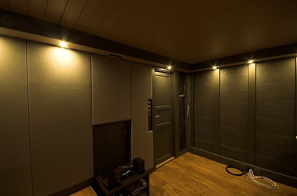 "Project ""C8"" - building Norways smallest(?) home cinema-23_ceilingboxesdone_02.jpg"