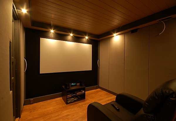 "Project ""C8"" - building Norways smallest(?) home cinema-28_frontwall_03.jpg"