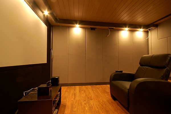 "Project ""C8"" - building Norways smallest(?) home cinema-28_frontwall_04.jpg"