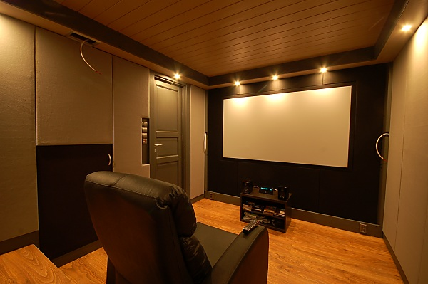"Project ""C8"" - building Norways smallest(?) home cinema-28_frontwall_05.jpg"