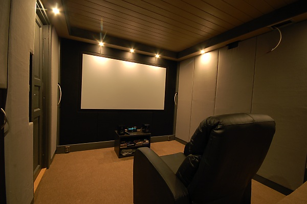 "Project ""C8"" - building Norways smallest(?) home cinema-29_carpet_01.jpg"