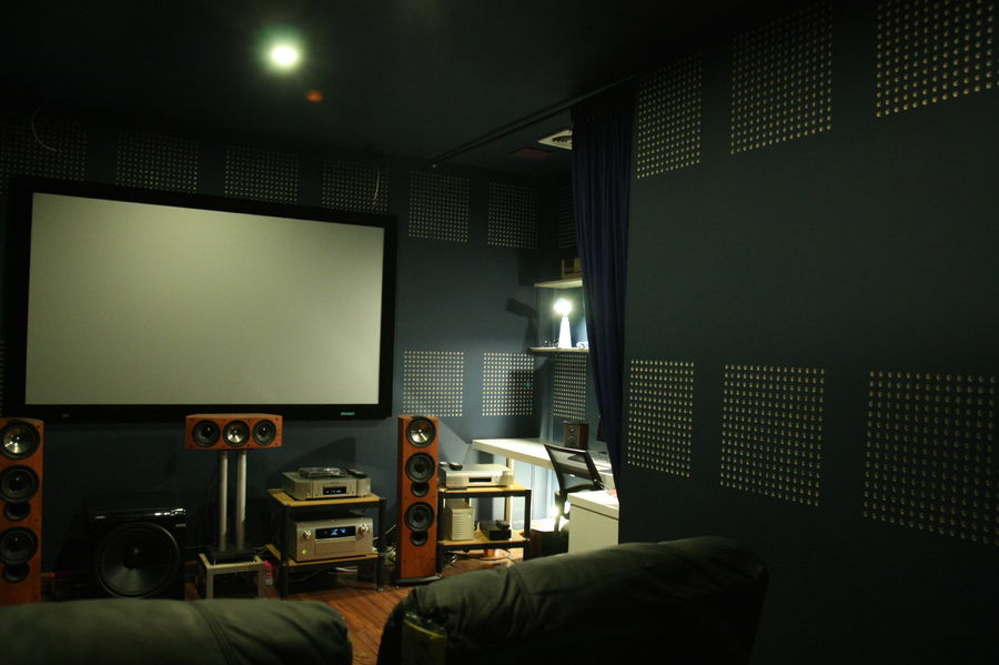 A very modest system for movie viewing.-3.jpeg