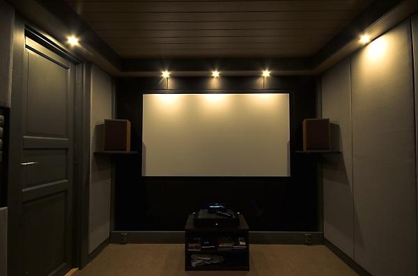 "Project ""C8"" - building Norways smallest(?) home cinema-31_speakershelves_03.jpg"