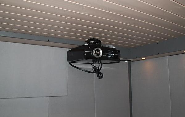 "Project ""C8"" - building Norways smallest(?) home cinema-33_projectorwork_06.jpg"