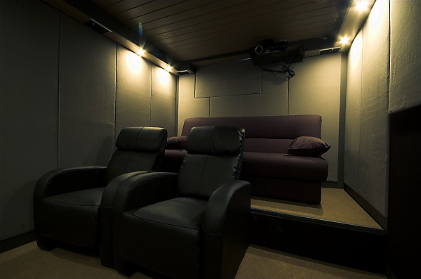 "Project ""C8"" - building Norways smallest(?) home cinema-34_subwork2_04.jpg"