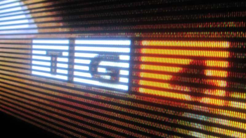 Black horizontal lines on Hitachi 50PD9800-3tv.jpg