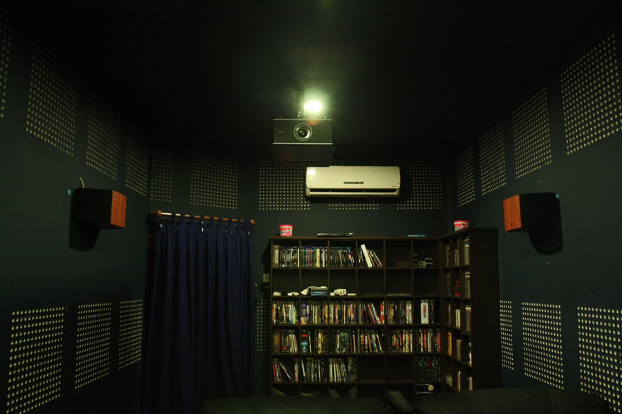 A very modest system for movie viewing.-4.jpeg