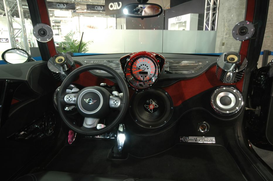 Anyone have luck with Mini Cooper audio upgrades?-411_zoom23.jpg