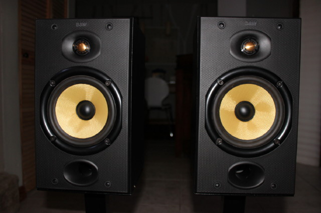 Sold B Amp W Bowers Amp Wilkins Speakers Dm601 Plateau Stands