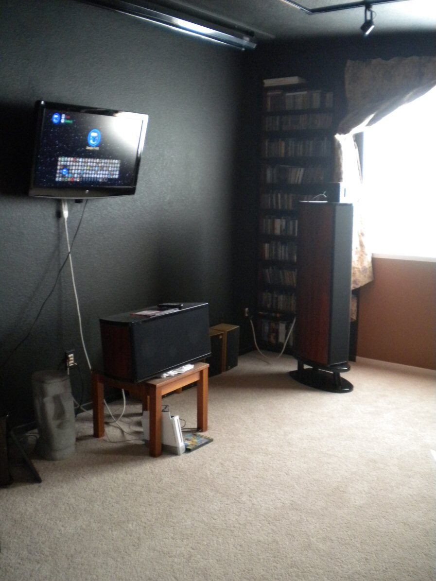 My home theater wall-aaadscn1155.jpg