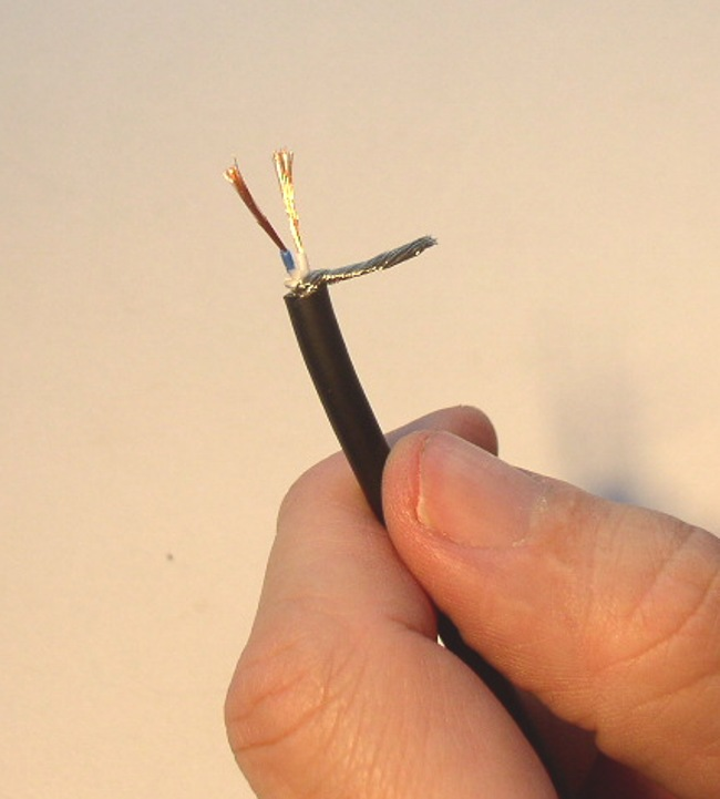 How to Solder: An Illustrated DIY Guide to Making Your Own Cables-cable-prep-13.jpg