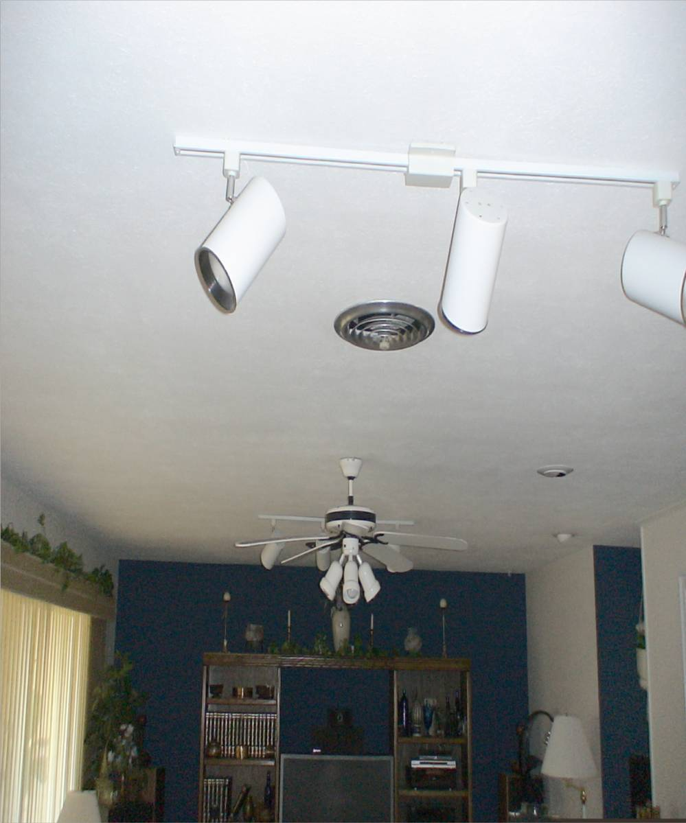 Another Newbie Joins The Ranks-ceiling-before.jpg
