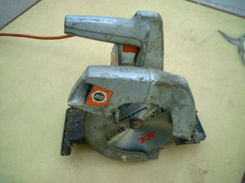 DIY Speaker and Subwoofer Enclosure Tools-cir-saw-2.jpg