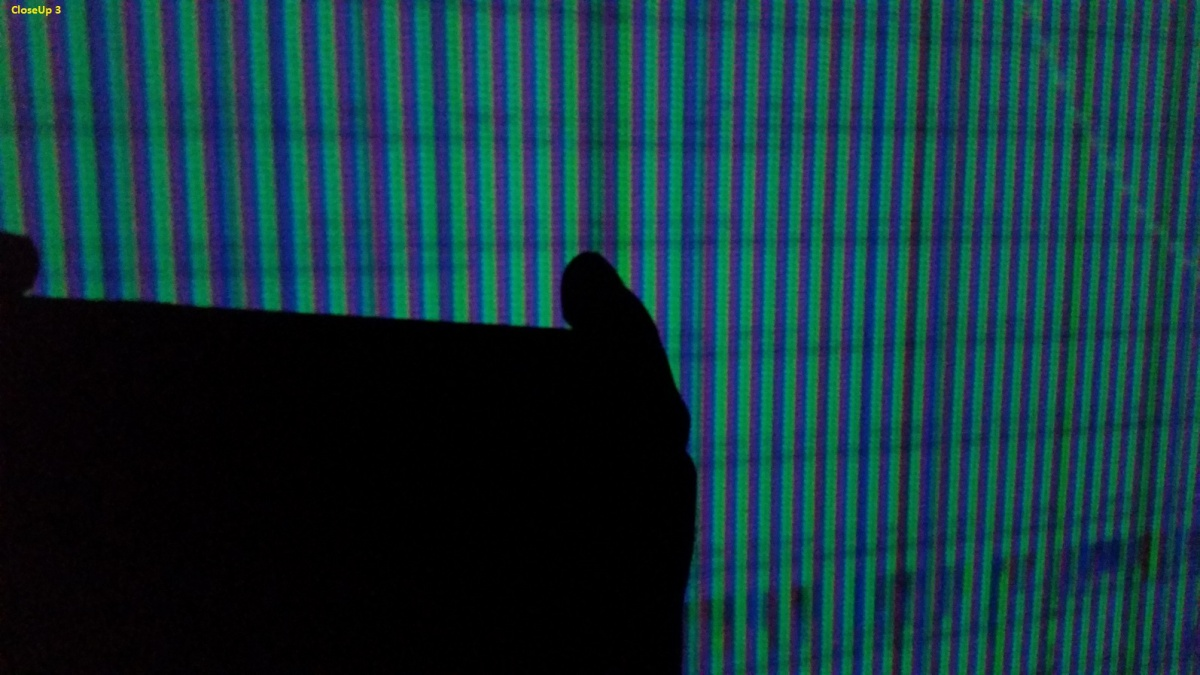 Image problem : Epson 8700UB-closeup3.jpg