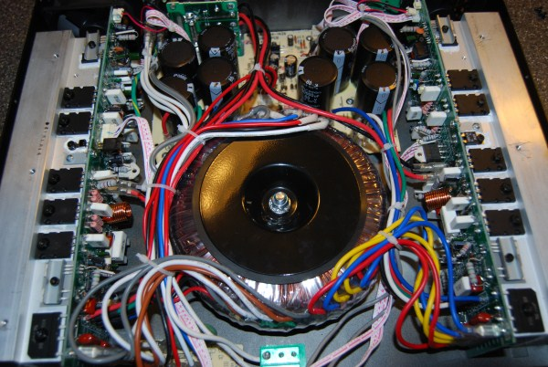 Behringer EP4000 - Pics - Fan Mod - ETC-dsc_0767-600-x-402-.jpg