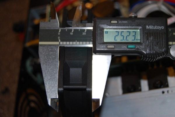 Behringer EP4000 - Pics - Fan Mod - ETC-dsc_0771-600-x-402-.jpg