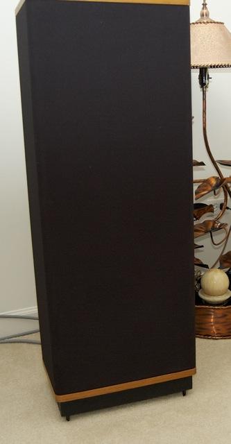 Vandersteen Model 2Ce Speakers Exc. Cond. 9 Chicago suburbs.-dsc_1885.jpg