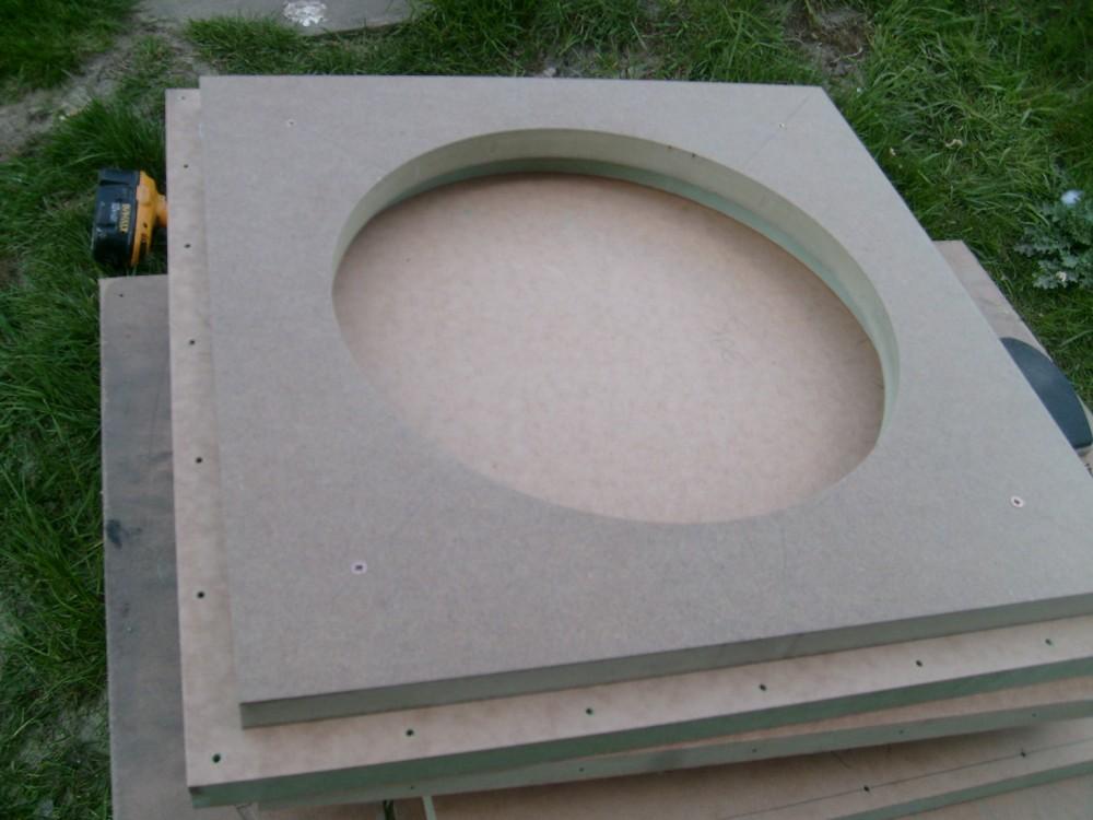 2 AV15-X, 115L sealed subs-first-baffle-assembled.jpg