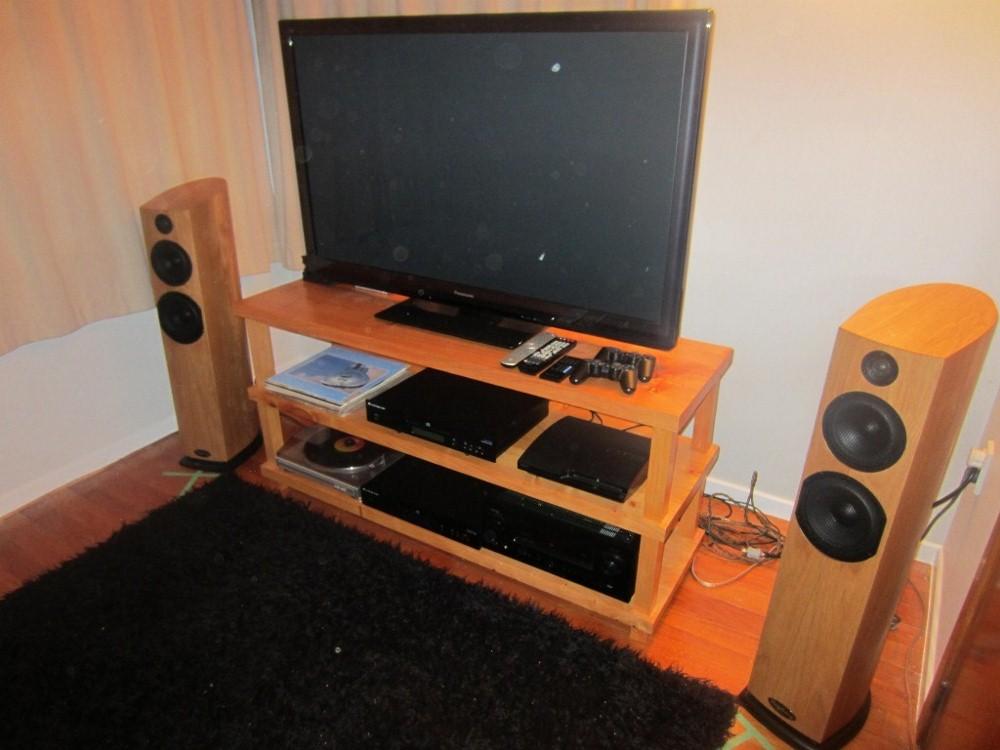 My hi fi setup =)-img_1596-1024x768-1024x768-1000x750-.jpg