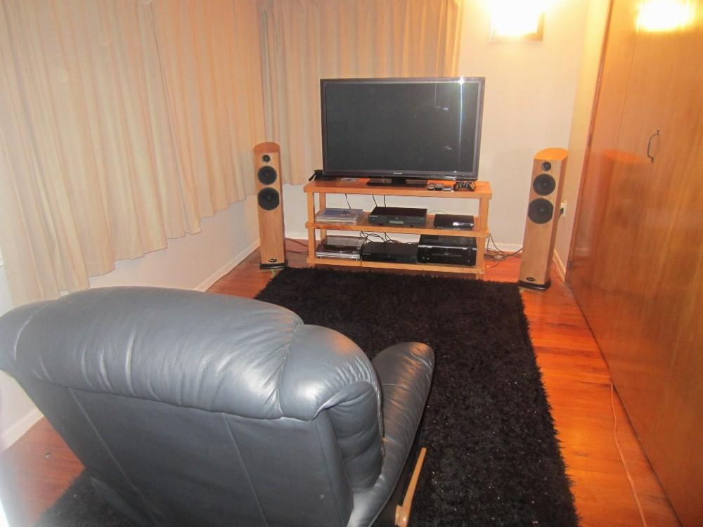 My hi fi setup =)-img_1597-1024x768-1000x750-.jpg