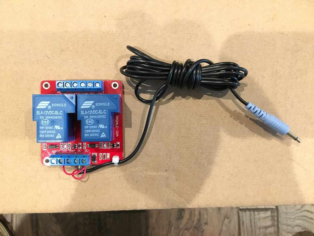 Simple 5v 12v Trigger Power Switched Outlet Home Theater Forum And Wiring An Old Img 3539