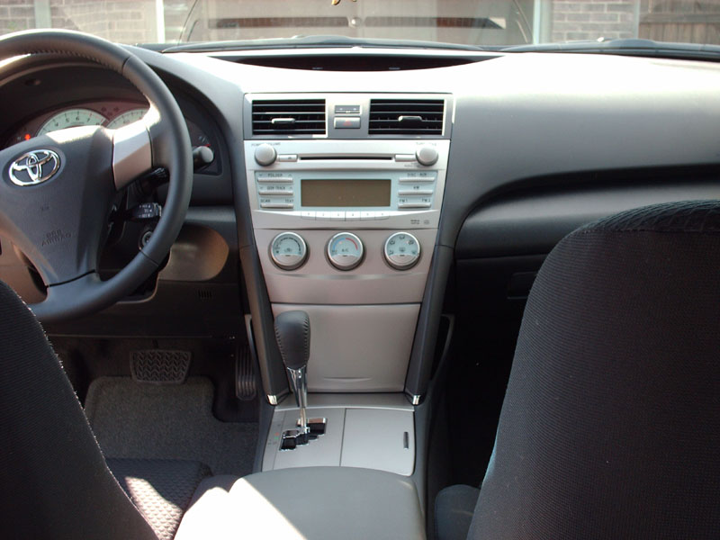 2008 Toyota Camry SE V6-interior2.jpg