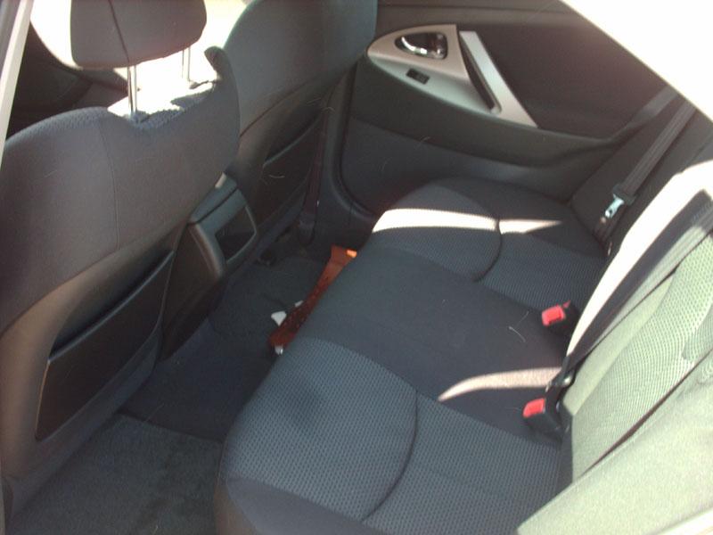 2008 Toyota Camry SE V6-interior3.jpg
