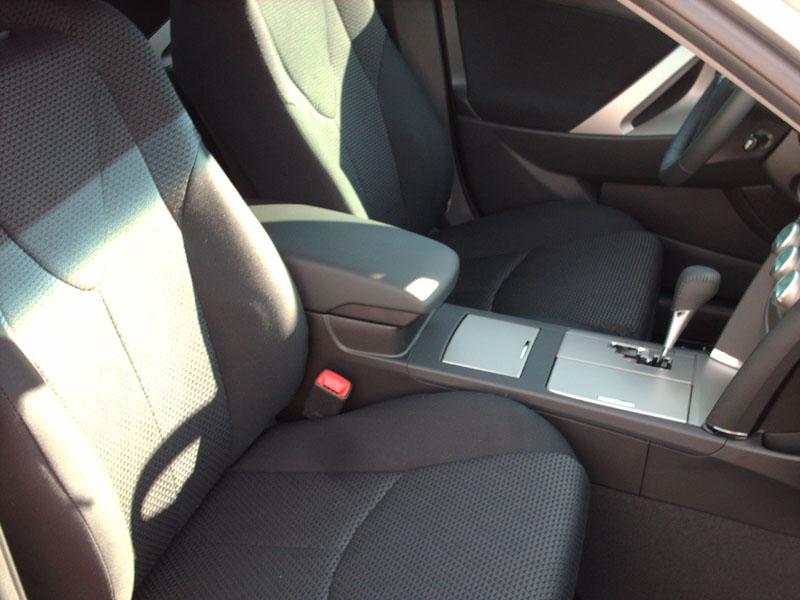 2008 Toyota Camry SE V6-interior5.jpg