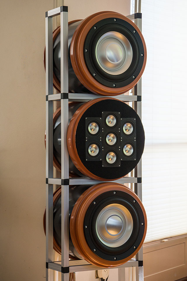 4-way speaker system with multiple small wide-range drivers-jdm12_2018_right.jpg