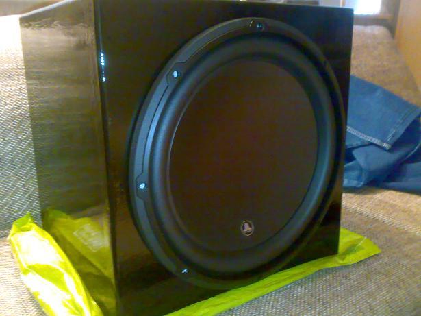 Jl audio 13W3V3-4 40 liter closed box: The best of one world-jl13w3closedbox1.jpg