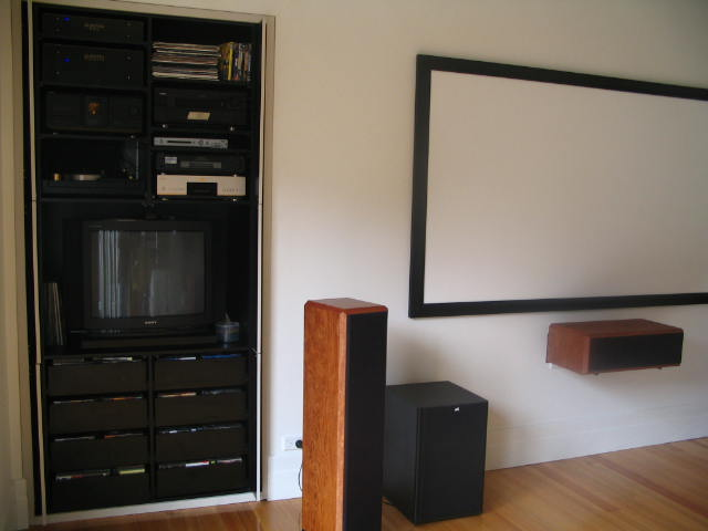 Welcome to my Lounge Room-joz-ht3.jpg