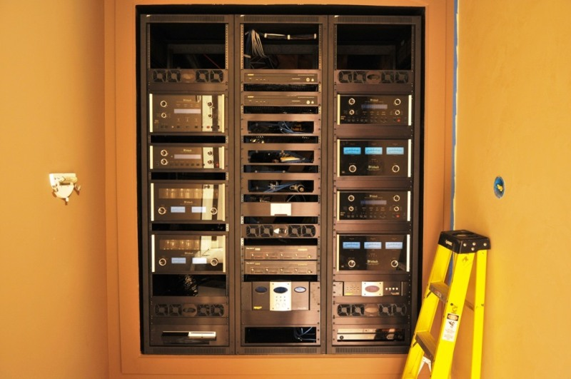 hpm racks panel mount series products enclosures wall rack hinged atlantic iso middle cabinets