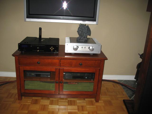 New guy from Canada-meuble-bello-wavs-320-bow-electrocompaniet.jpg