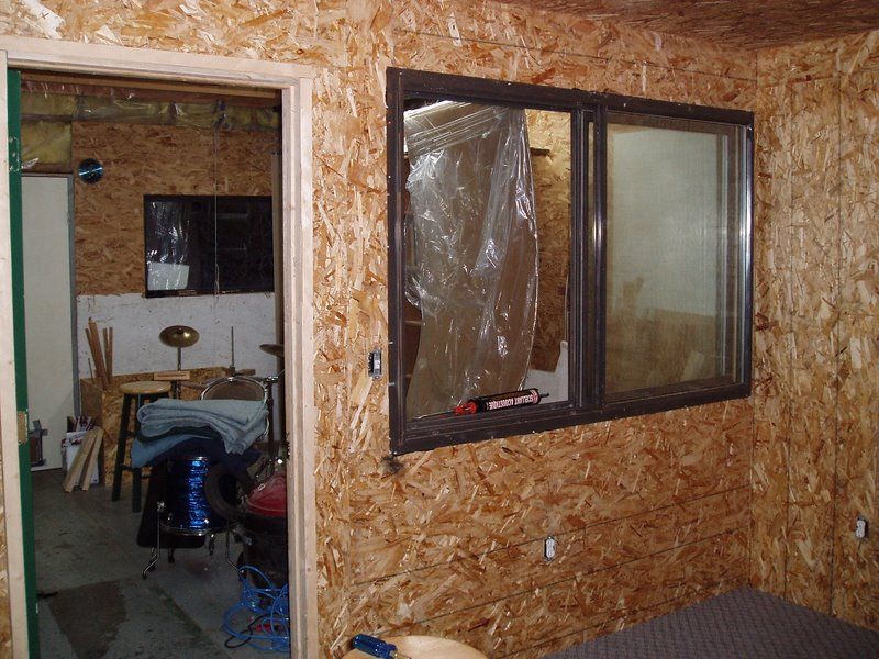 Soundproofing my room... questions...-p1010008.jpg