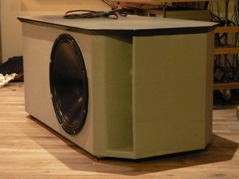 Pivoting TV-stand/HT-sub/stealth corner-p1010184.jpg