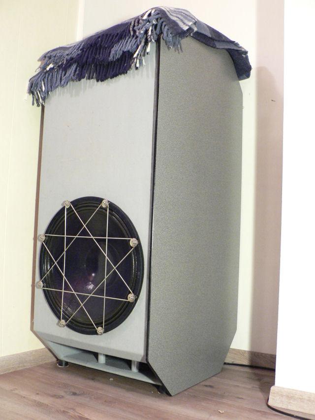 Pivoting TV-stand/HT-sub/stealth corner-p1010191.jpg