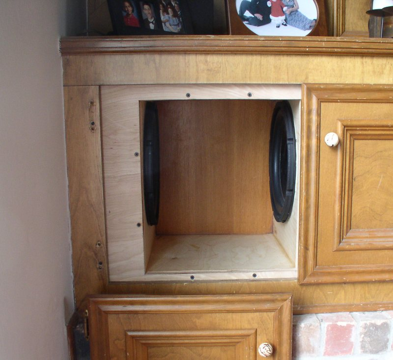 Built-in subwoofer project-p1010465x-r.jpg
