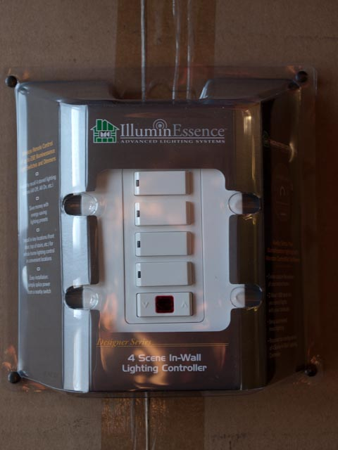 Monster Central Lighting Systems IlluminEssence In-Wall Light Controller IWC600-pc228487.jpg