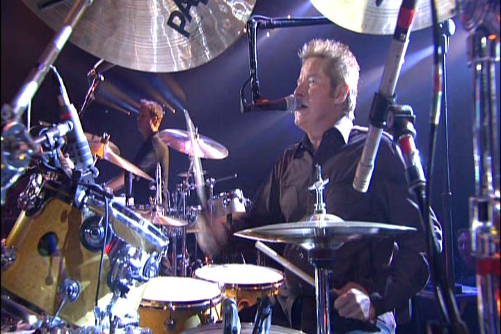 DVD Review - Eagles, Farewell Tour Live In Melbourne-pdvd_011.jpg