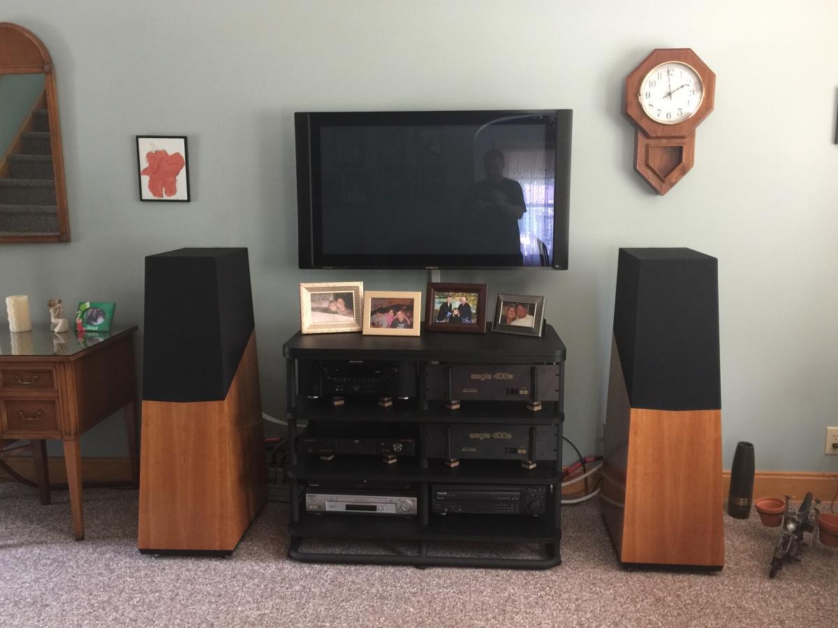 My uncles dedicated stereo room-photo-jun-11-1-57-40-pm.jpg